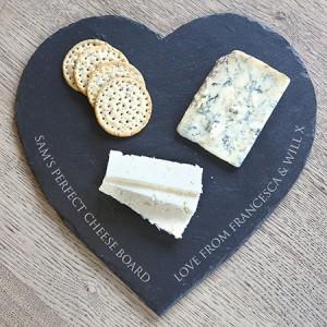 Personalised-Heart-Shaped-Slate-Cheese-Board_c