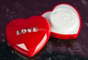 Nourishing-Heart-Hand-Cream_a