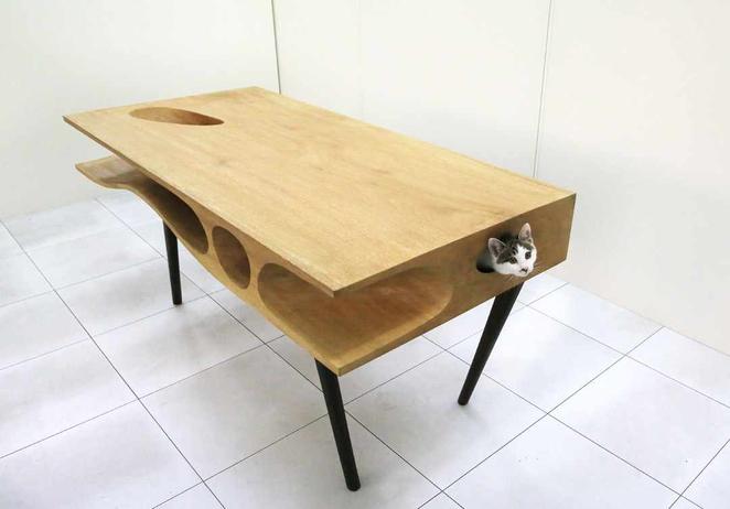 koci-stół