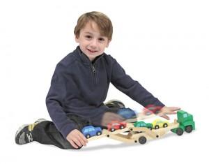 Samochód-drewniany-z-przyczepą-1