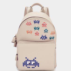 Space-Invaders-plecak1